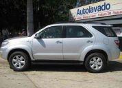 Vendo toyota fortuner 4x4 2011 nueva solo 11000km 410000bsf