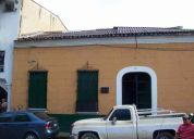 Vendo casa de esquina frente plaza rolando de barcelona