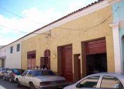 Vendo casa grande con dos locales en calle freites casco central barcelona