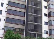 Vendo amplio apartamento en res. costa azul. colinas del neveri barcelona