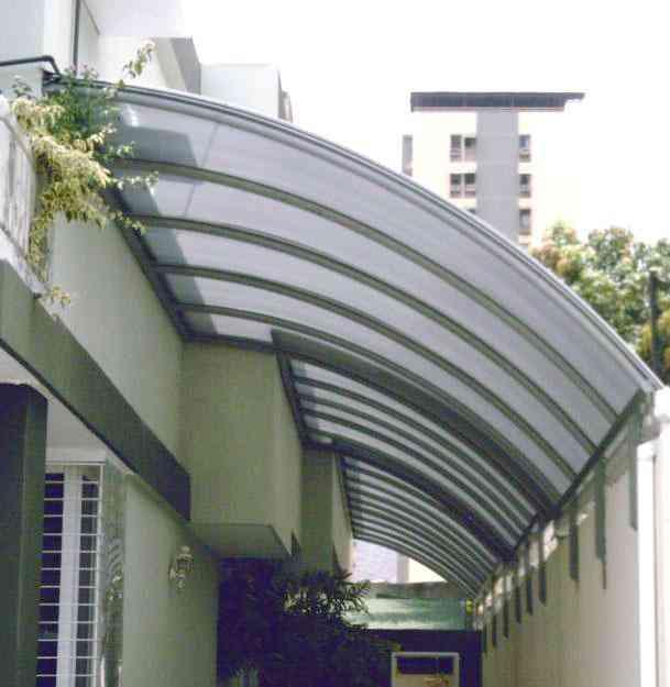 Toldos y techos de policarbonato vinil lona caracas for Toldos para techos