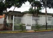 Venta de amplia casa en barquisimeto, este 12-2084
