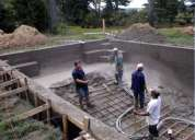 Construcción de piscinas y tanques prefabricados.