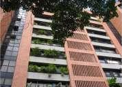 En venta hermoso apartamento en sebucán 204 m2,con piscina y hermosas áreas verdes.