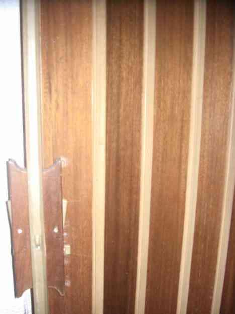 Puerta plegable de madera doble usada caracas hogar for Puerta doble madera