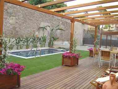 Pergolas madera mesas para terrazas postes iluminacion - Postes de madera para pergolas ...