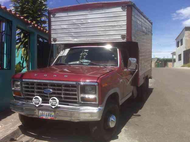 vendo o cambio camion ford 350 año 83100 mil bf negociable - San
