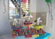 Piñatas, chupeteros, dispensadores, carameleras, faldones, centros de mesa, figuras en mdf