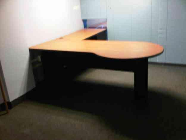 Escritorios de oficina caracas hogar jardin muebles for Escritorios de hogar
