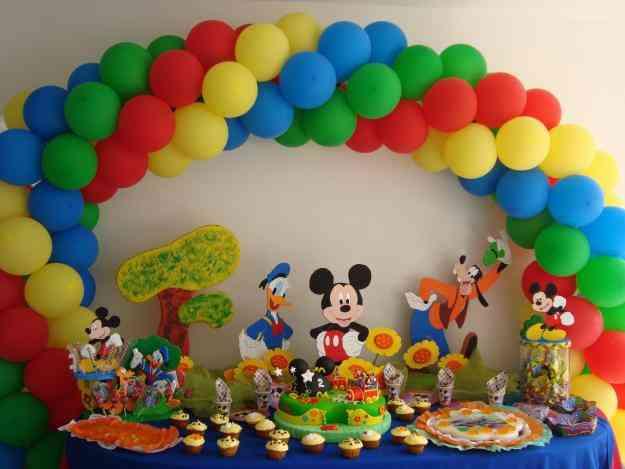 Decoraciones de mesas de fiestas infantiles imagui for Globos decoracion fiestas