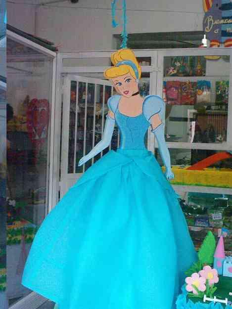 Pi atas y decoraci n fiestas infantiles barquisimeto for Decoracion de pinatas infantiles