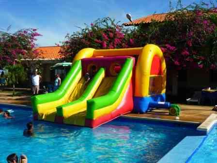Alquiler de colchones inflables para fiestas infantiles y for Ventas piscinas inflables