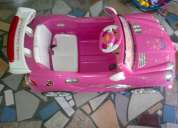 Vendo carro de bateria para niñas casi nuevo muy poco uso con su control.!