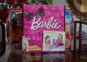 Barbie pasarela de moda y vestuario .. grande . maleta para 6 muñecas.