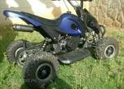 Se vende moto 4 ruedas en excelente estado.